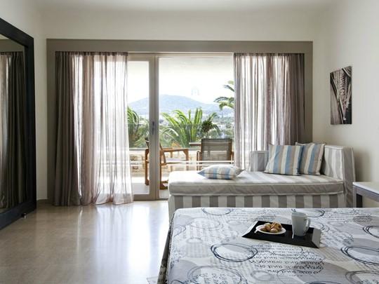 Upper-Deck Sea View Room
