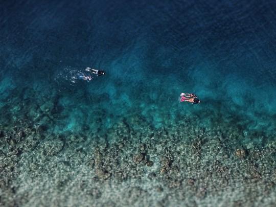 Snorkeling au bord de la barriere de corail