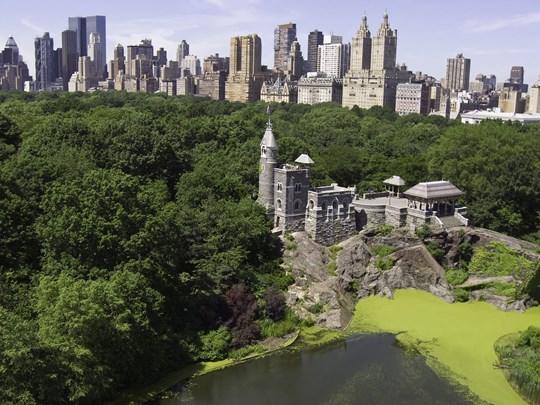 Belvedere Castle, un point en hauteur qui vous offrira une vue panoramique sur le parc entouré de gratte-ciels
