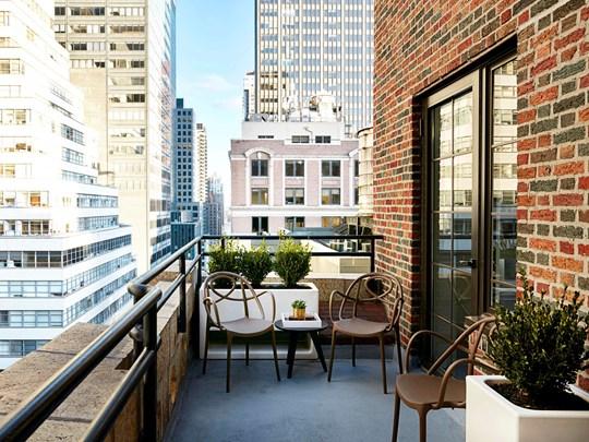 Profitez de la terrasse, rare et plaisant en coeur de ville