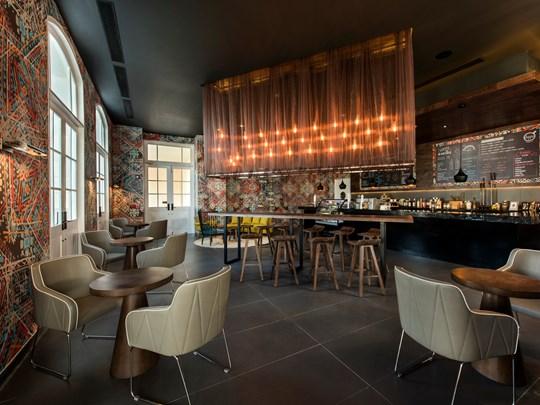 Le bar à thé et café Doppio