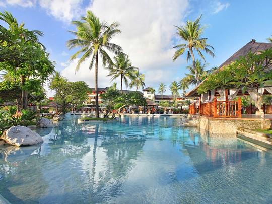 La piscine du Nusa Dua Beach Hotel & Spa à Bali