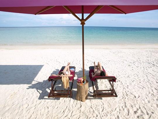 Détendez vous sur la plage de l'hôtel Paradee en Thaïlande