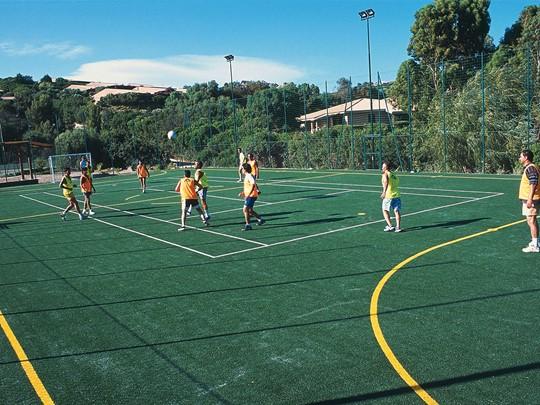 Le terrain de football de l'hôtel Cala di Lepre Park