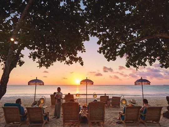 Coucher de soleil sur la plage du Belmond
