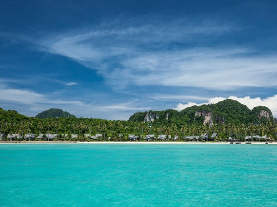 Vue du Phi Phi Island Village depuis la mer