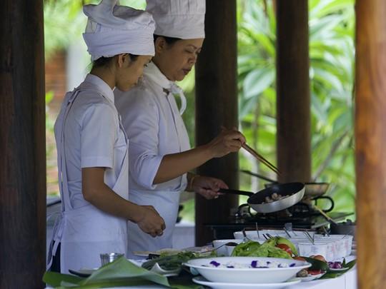 Les saveurs du Vietnam n'auront plus de secrets pour vous après un cours au Pilgrimage Village