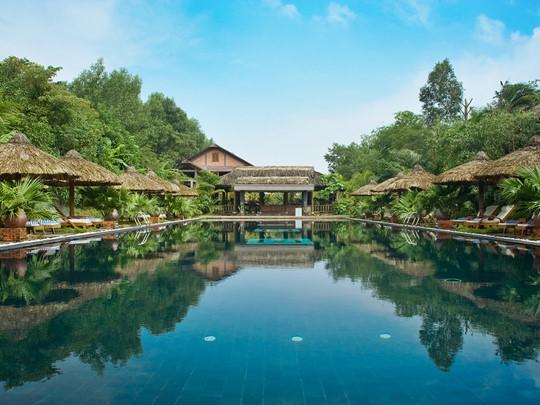 Détentez vous au bord de la superbe piscine du Pilgrimage Village
