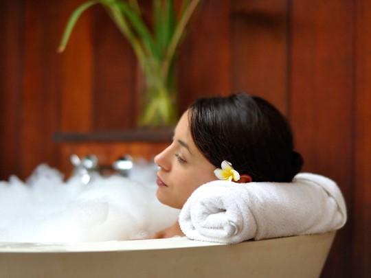 Bénéficiez de soins relaxants et de massages revitalisants dans un espace à l'atmosphère paisible