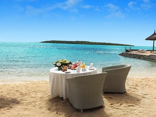 Copieux petit déjeuner les pieds dans le sable au Preskil