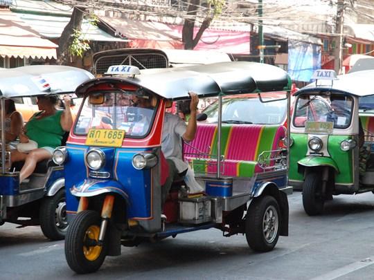 Découvez les rues de Bangkok en tuk-tuk