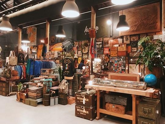 Un entrepôt rénové pour en faire un centre d'art et de culture