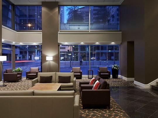 Résidez à l'hôtel Delta Montréal, en plein cœur de la ville