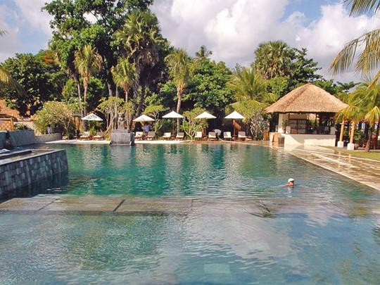 Belmond Jimbaran Puri Bali, la piscine de l'hôtel