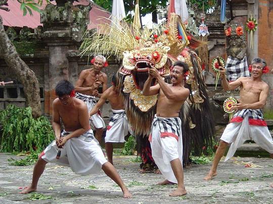 Le spectacle de danse Barong à Candidasa