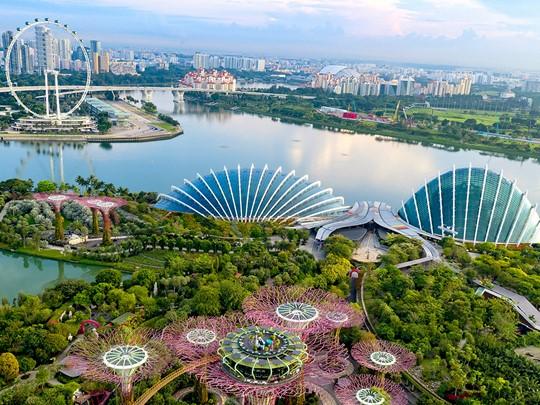 Vue générale de Singapour et de ses nombreux bâtiments
