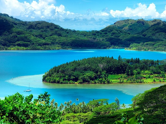 Découvrez la magnifique île de Huahine.