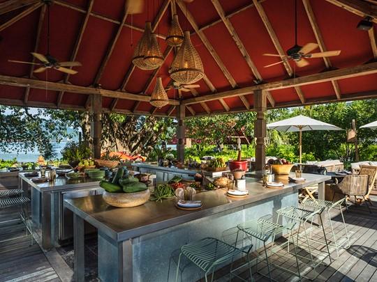 Spécialités thaïes au restaurant Ta Khai