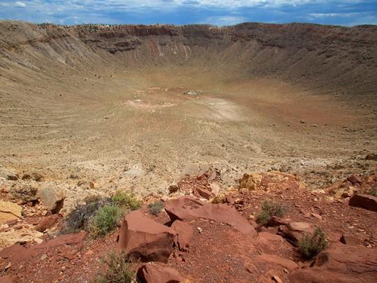 Approchez de près le Meteor Crater à Gallup