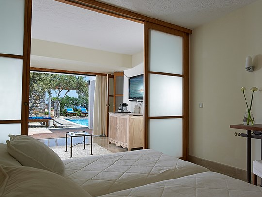 La Family Suite 2 Bedroom Private Pool Sea View