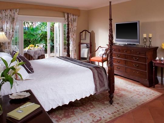 Honeymoon Royal Windsor Grande Luxe Regency Room