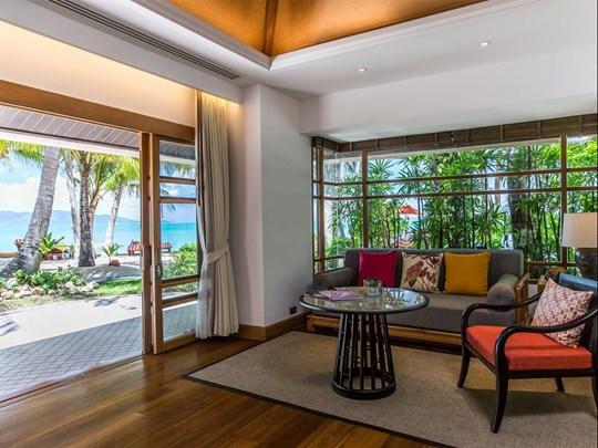 Deluxe Beachfront Villa with Plunge Pool