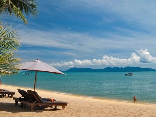 La plage de Mae Nam