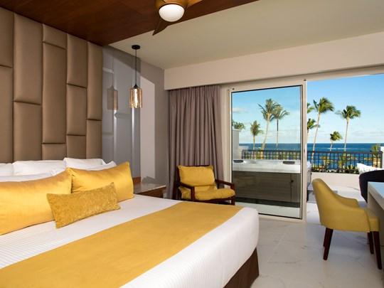 Preferred Club Junior Suite Partial Ocean View