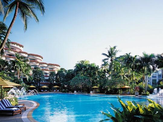 La piscine de l'hôtel Shangri-La Hotel Singapore