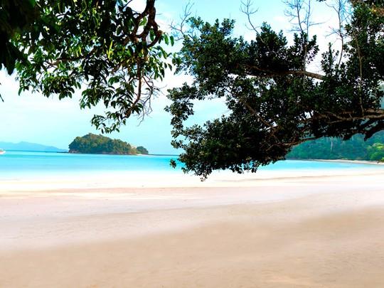 Découvrez la superbe plage de l'hôtel