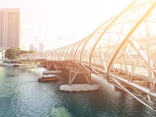 Découvrez la ville, ses infrastructures plus démesurées les unes que les autres