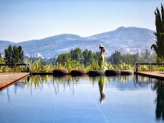 La piscine de l'hôtel Six Senses Douro Valley