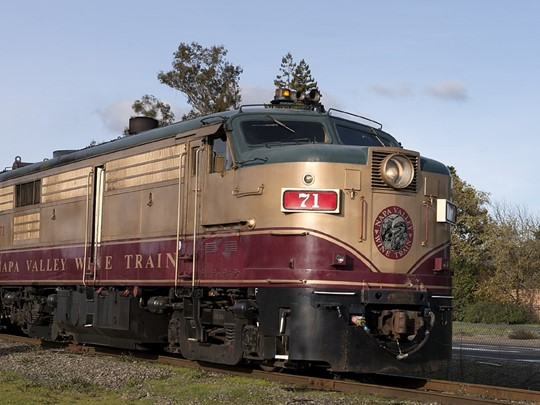Parcourrez la région à bord du « Napa Valley Wine Train »