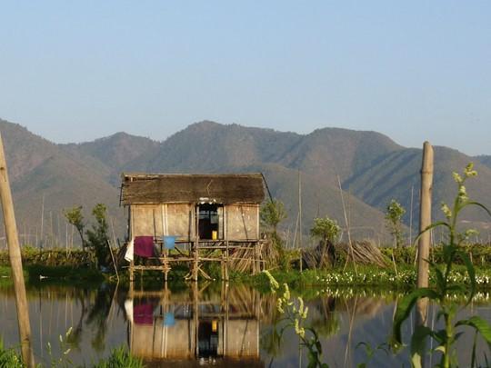 Les jolis villages lacustres qui parsèment le lac Inle.