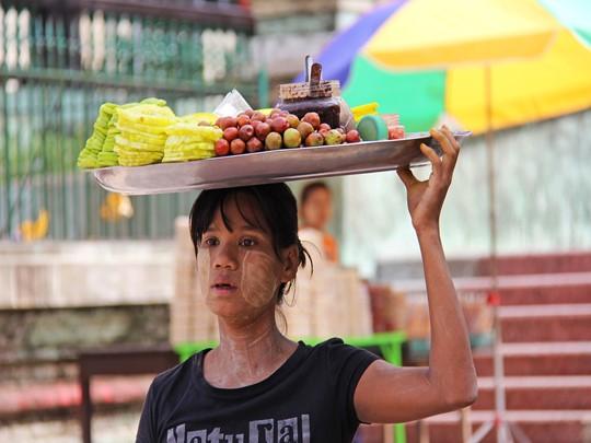 Arpentez les marchés birmans et découvrez les différences ethniques du pays
