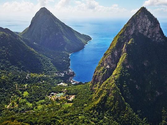 Vue de la Plage de l'hôtel Sugar Beach aux Antilles