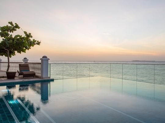 Relaxez-vous au bord de la piscine du Park Hyatt Zanzibar