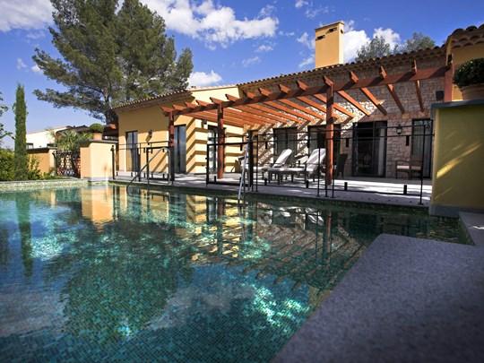 La Villa Terre Blanche avec piscine à débordement et jacuzzi privés