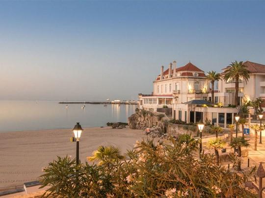 Vue de l'hôtel et de la plage