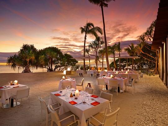 Le restaurant Beachcomber Café à l'hôtel The Brando en Polynésie