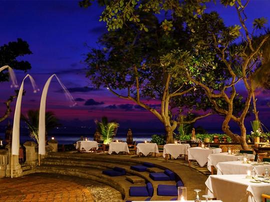 Le buffet de l'hôtel The Oberoi situé à Bali