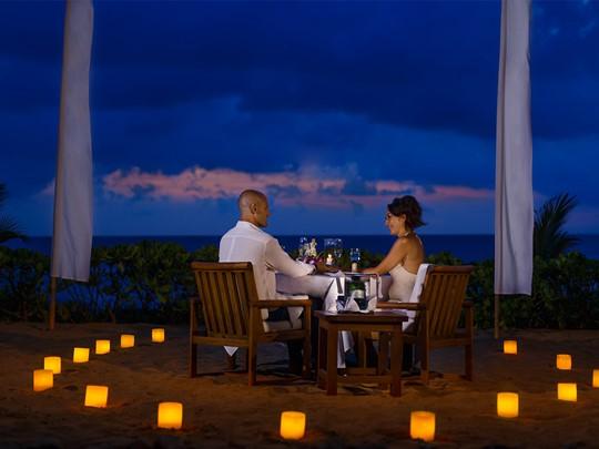 Dîner romantique à l'hôtel The Oberoi Bali