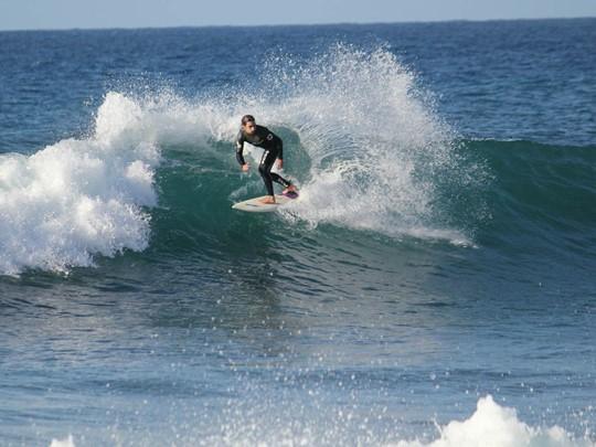 Surf à l'hôtel The Romanos situé en Grèce