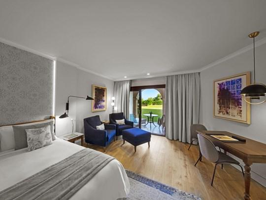 Grand Deluxe Guest Room, 1 King, Garden Access