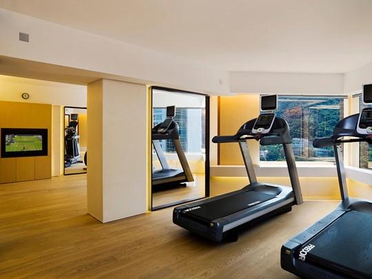 La gym de l'Upper House situé en plein coeur de l'île de Hong Kong