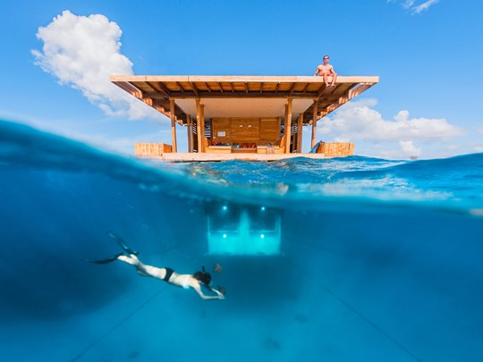 La chambre sous marine du Manta Resort