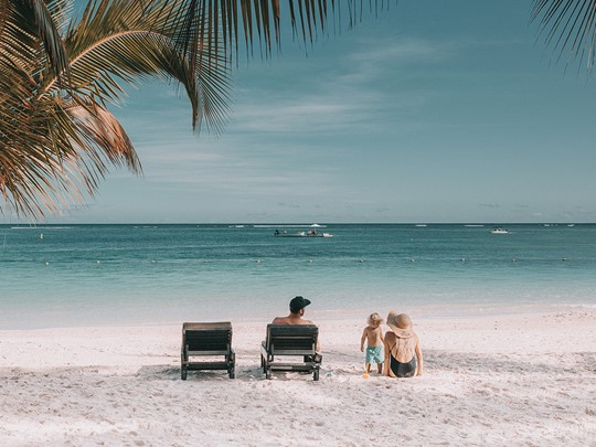 Détente sur la plage immaculée