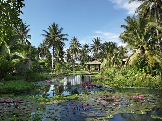 Les magnifiques jardins de l'Anantara Mai Khao