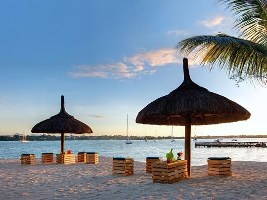 Détendez-vous à la plage situé aux alentours de l'hôtel