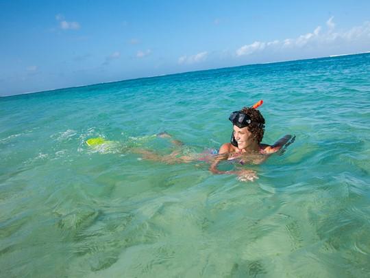 Lagon aux eaux turquoise
